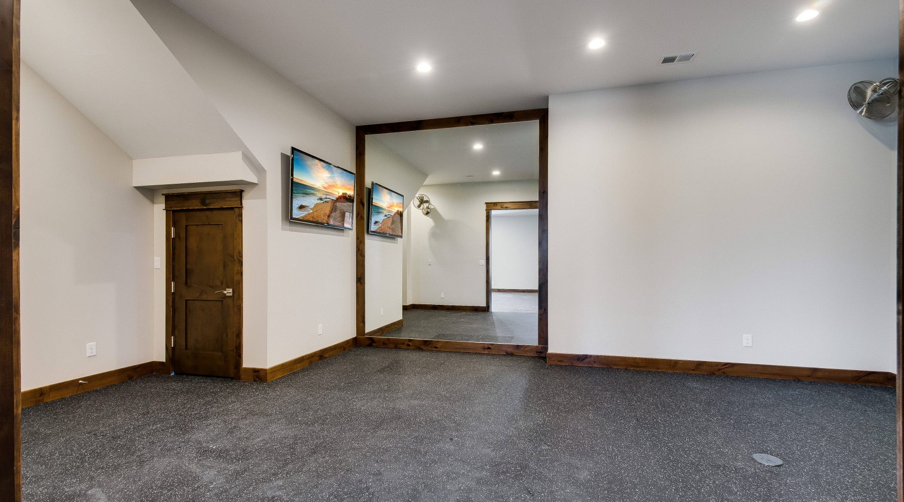 2466 Spruce Meadows Dr-print-037-38-Workout Room-4200x2782-300dpi