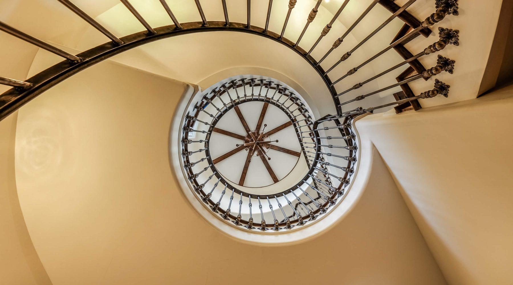 12656 Waterside Turret stairs Ln-29
