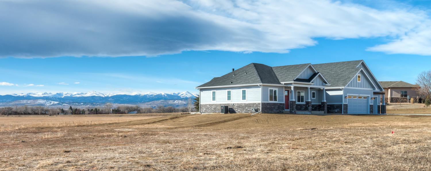 1327 Sweetwater Ln Berthoud CO-large-003-1-Front of House-1500x597-72dpi