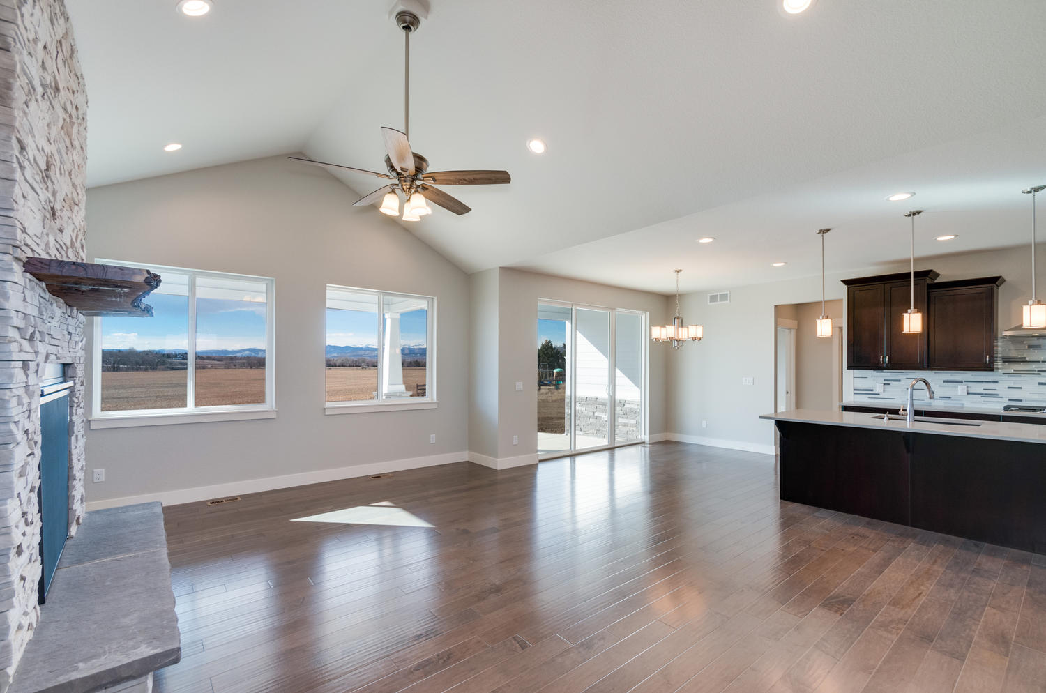 1327 Sweetwater Ln Berthoud CO-large-008-36-Great Room-1500x994-72dpi