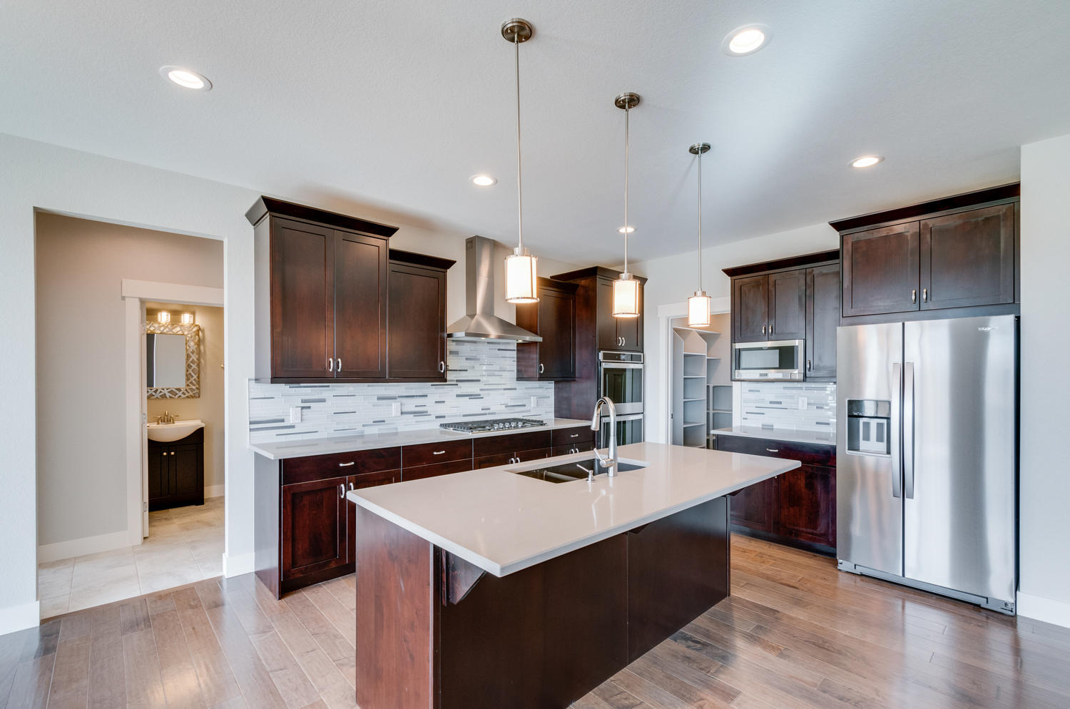 1327 Sweetwater Ln Berthoud CO-large-015-11-Kitchen-1500x994-72dpi