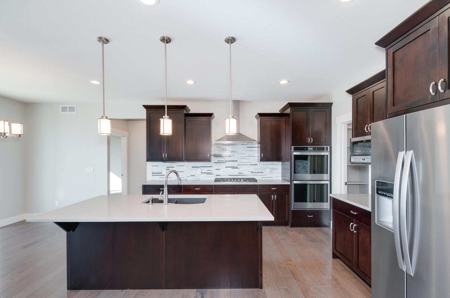 1327 Sweetwater Ln Berthoud CO-large-017-29-Kitchen-1500x994-72dpi
