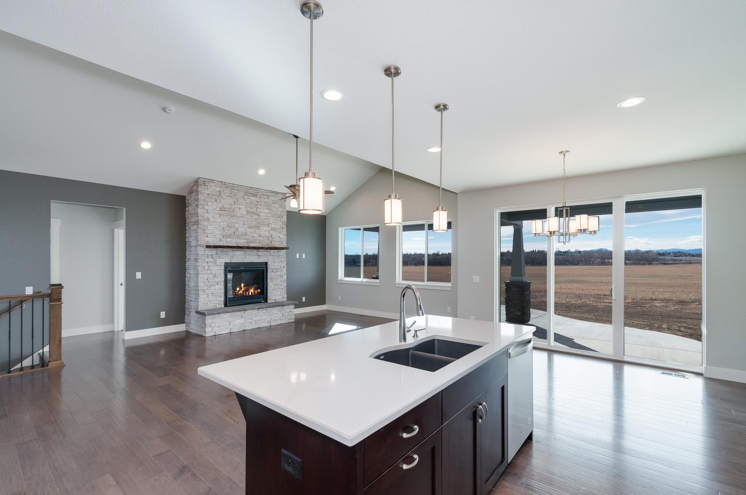 1327 Sweetwater Ln Berthoud CO-large-021-7-Kitchen-1500x994-72dpi