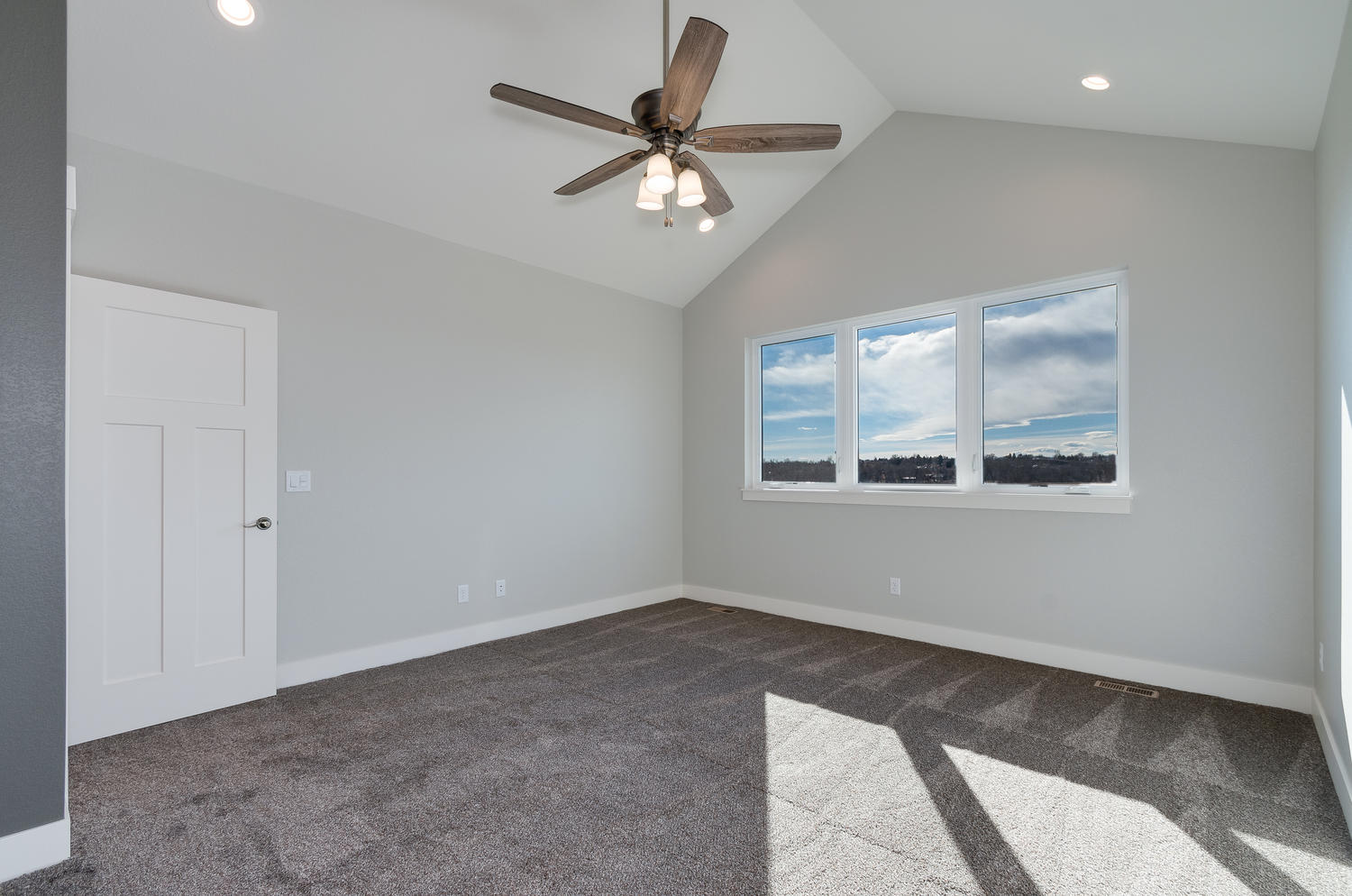 1327 Sweetwater Ln Berthoud CO-large-026-21-Master Bedroom-1500x994-72dpi