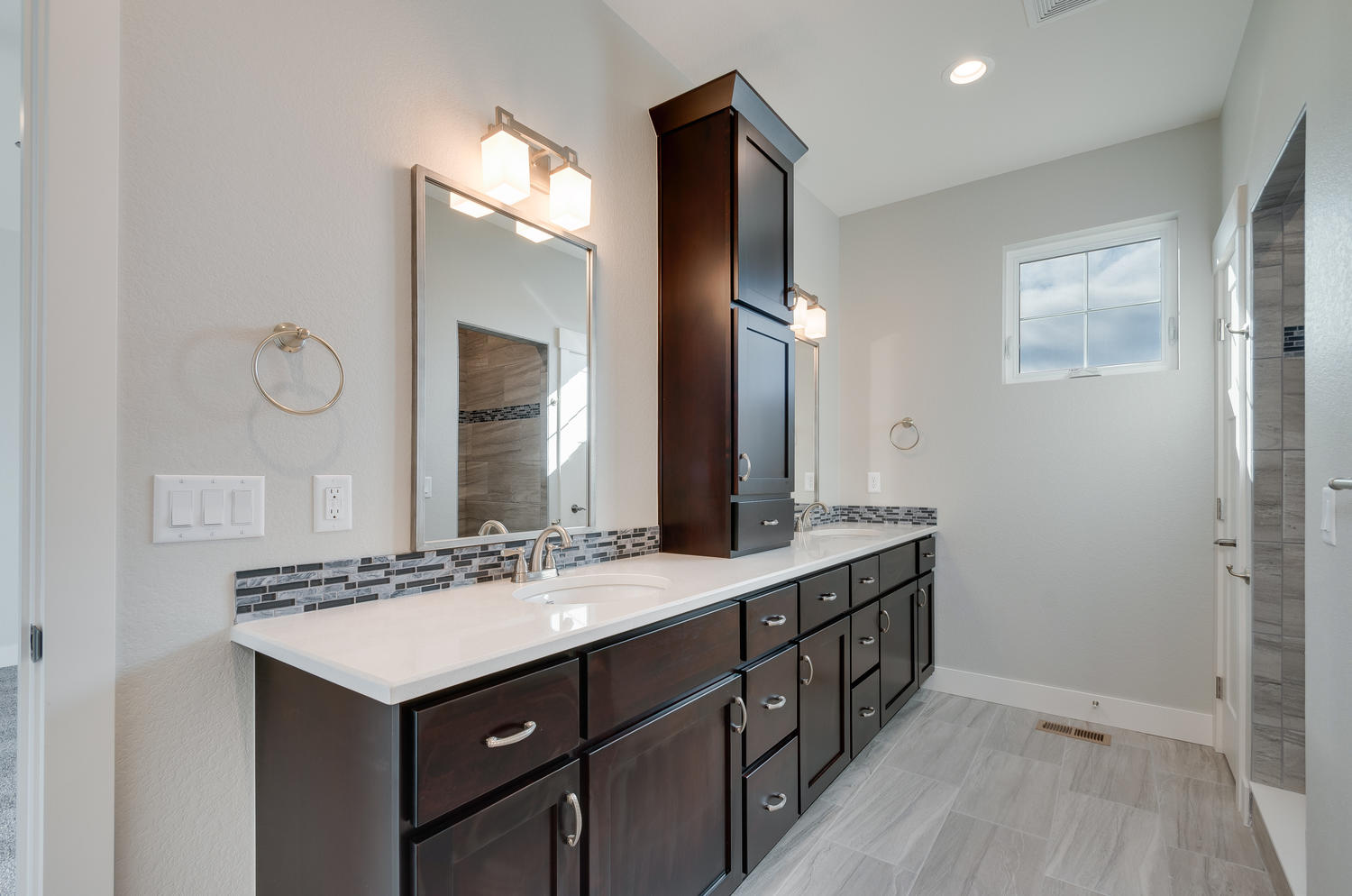 1327 Sweetwater Ln Berthoud CO-large-028-35-Master Bath-1500x994-72dpi