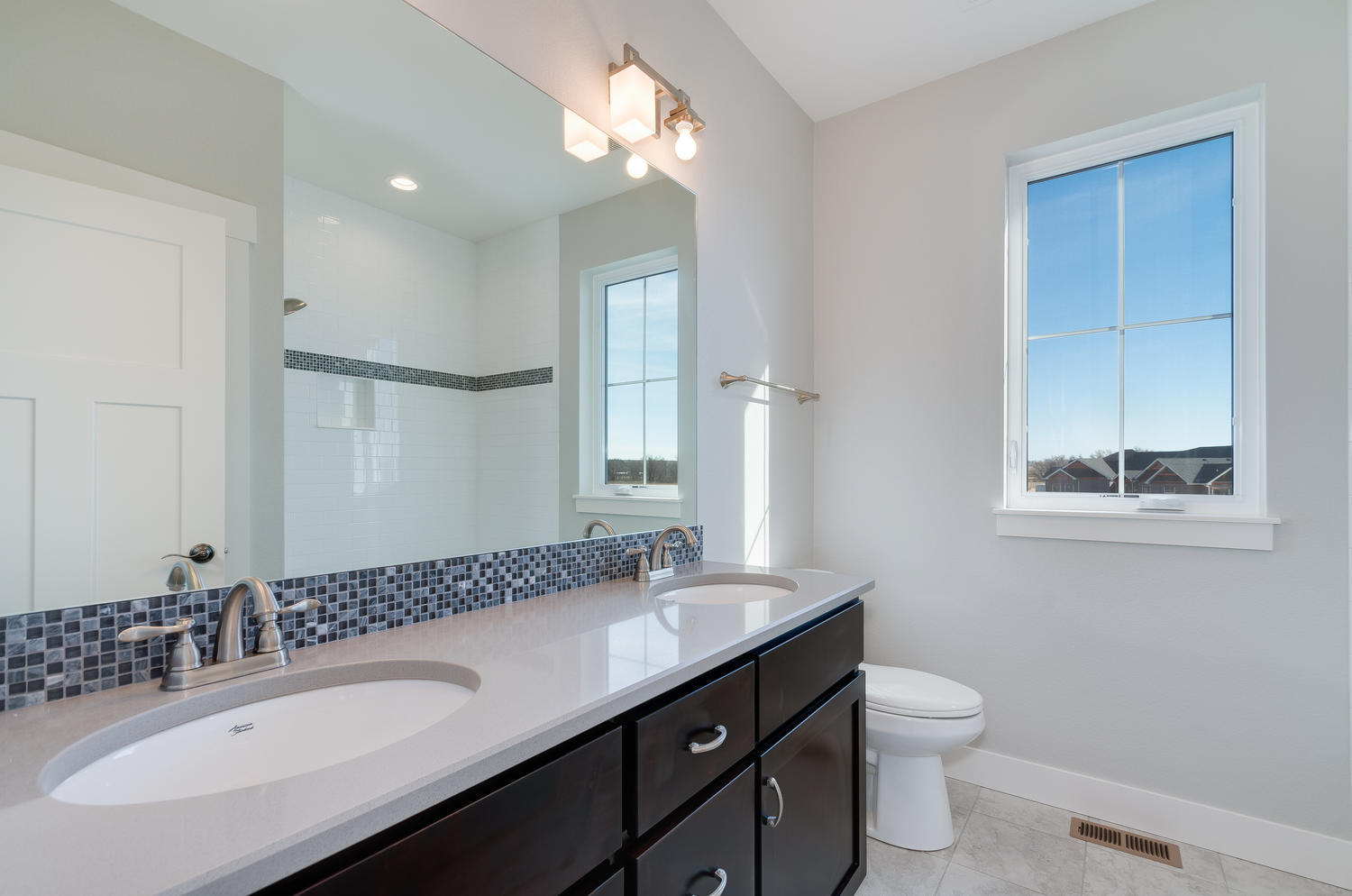 1327 Sweetwater Ln Berthoud CO-large-034-17-Bathroom-1500x994-72dpi