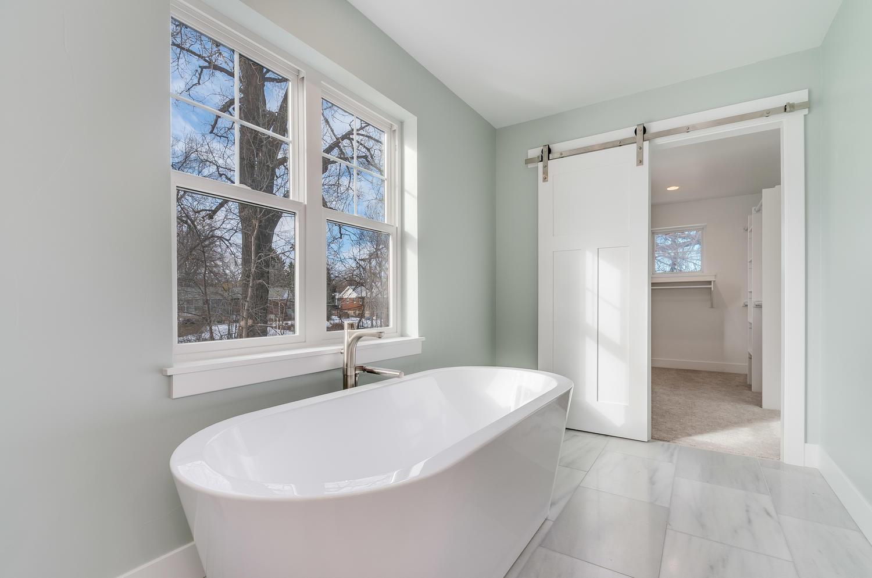 1517 Main St Louisville CO-large-030-6-Master Bath-1500x994-72dpi