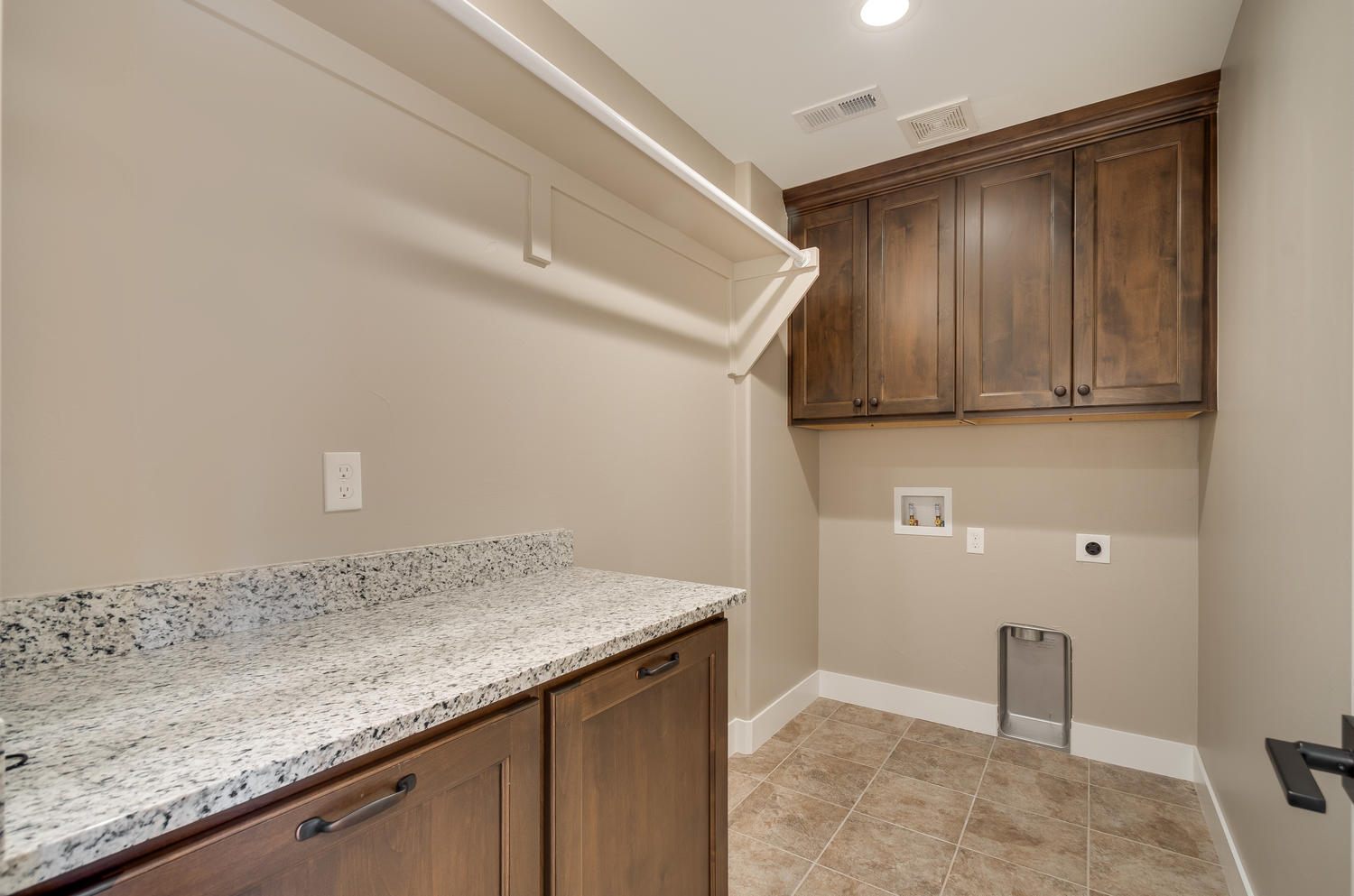 17180 Primrose Ln Mead CO-large-042-20-Laundry Room-1500x994-72dpi