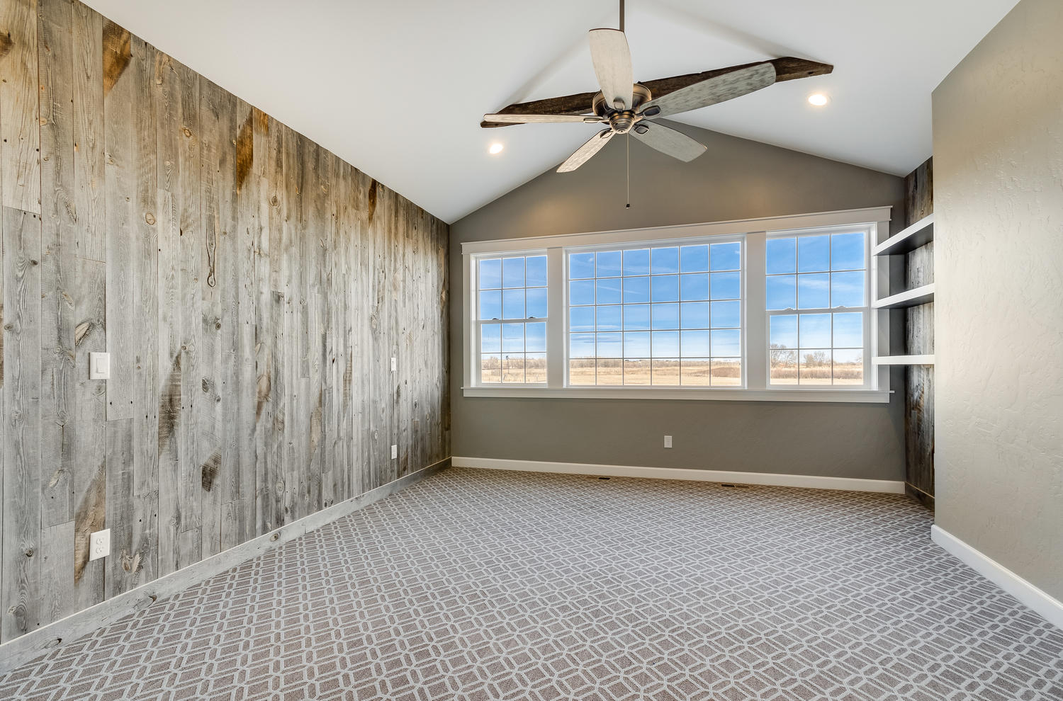 4925 County Rd 24 34 Firestone-large-016-16-Master Bedroom-1500x990-72dpi